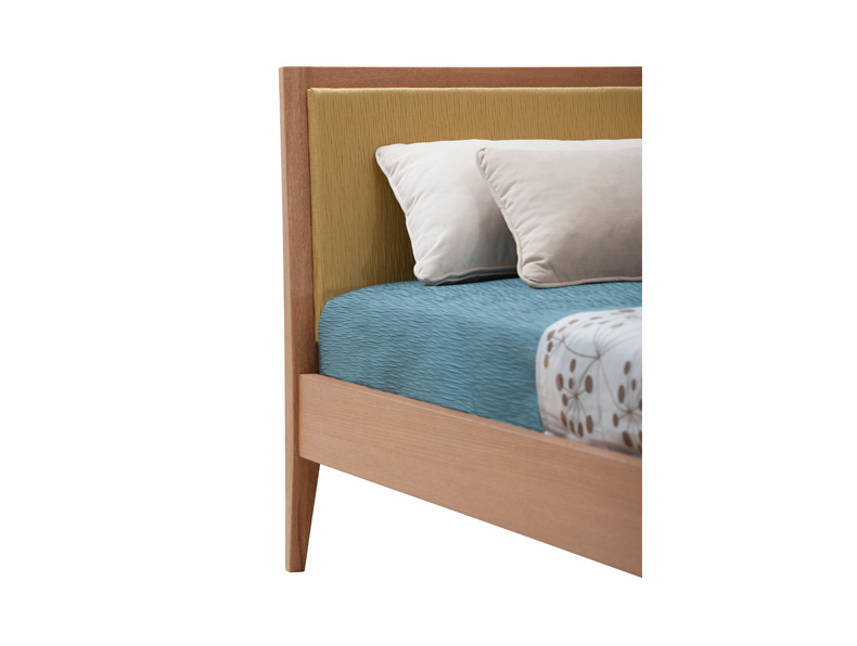 Rosette-Queen-sized-Bed-3.jpg